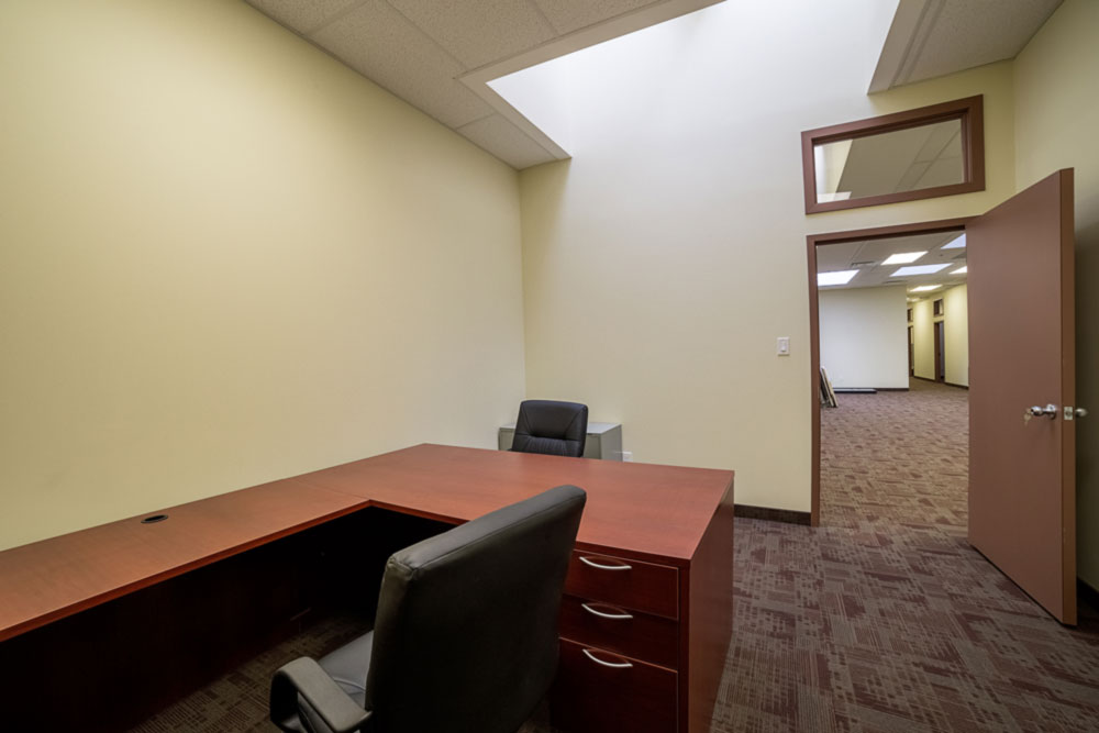 North York office space at 4646 Dufferin St. available for rent now